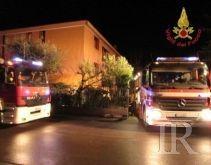 Tecnici dell'Enel bloccati nella notte a causa della pioggia, salvati dai pompieri