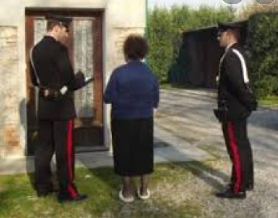 Finti corrieri raggirano un'anziana e le sottraggono oltre 3mila euro