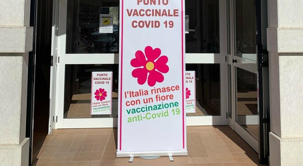 """""""Centro Vaccinale di Atripalda, troppi ritardi"""""""