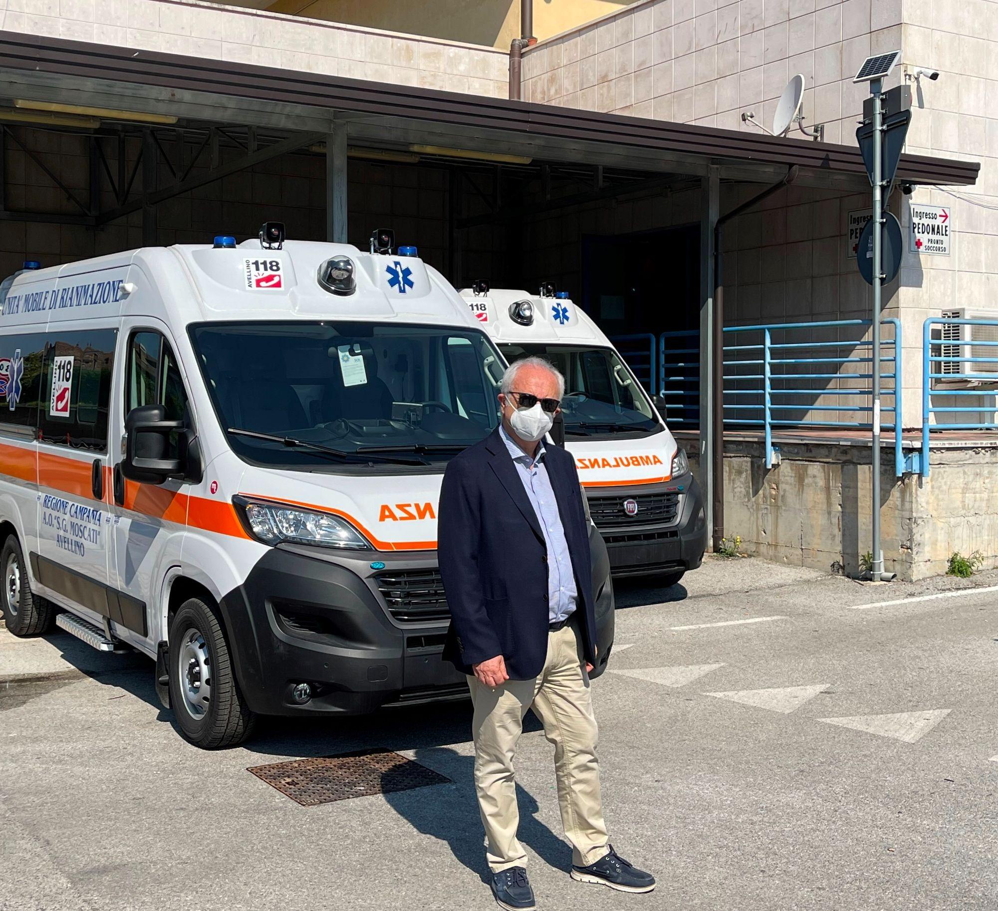 L'ospedale Moscati potenzia i propri mezzi, consegnate due ambulanze di tipo A