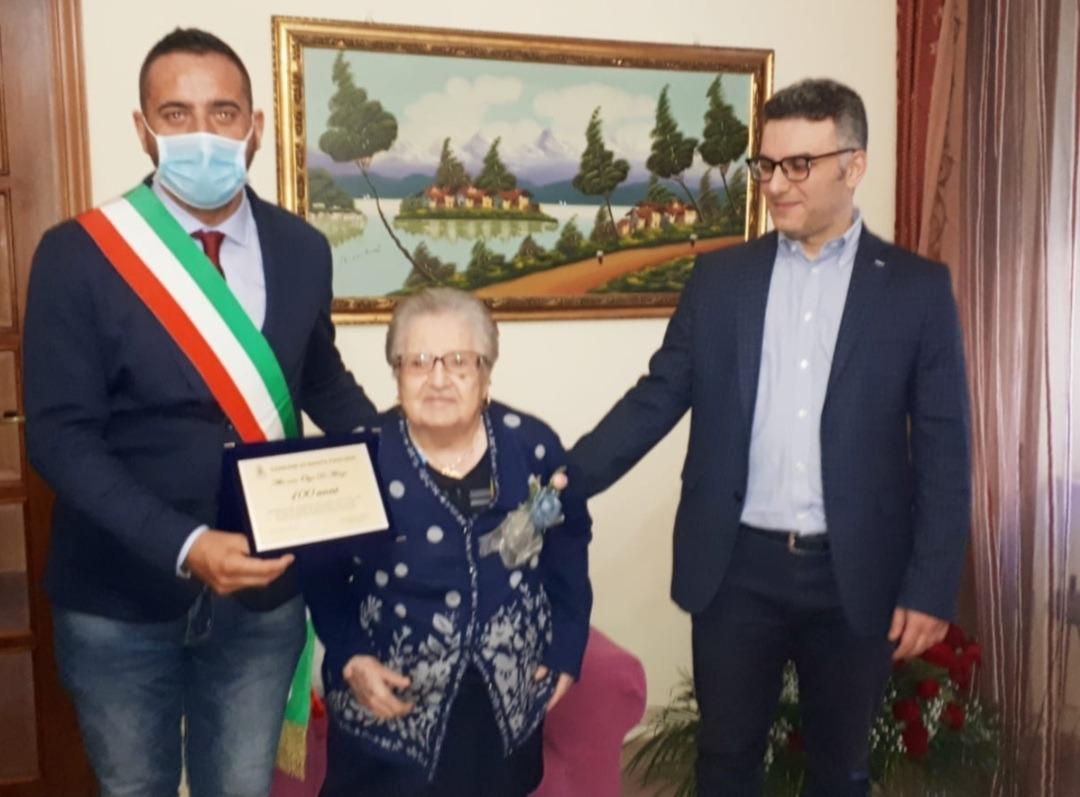 Santa Paolina festeggia i 100 anni di nonna Olga