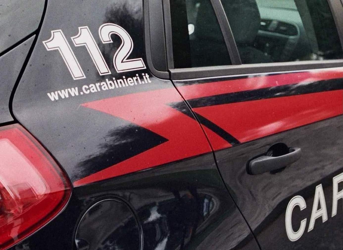 Ricambi auto a prezzo conveniente, ma è una truffa: denunciato 30enne