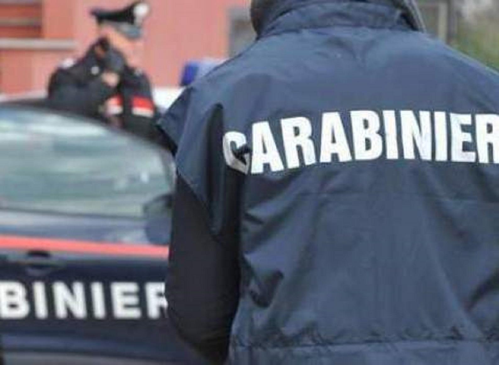 San Michele di Serino, sorpreso a cedere hashish a un giovane. Arrestato 25enne